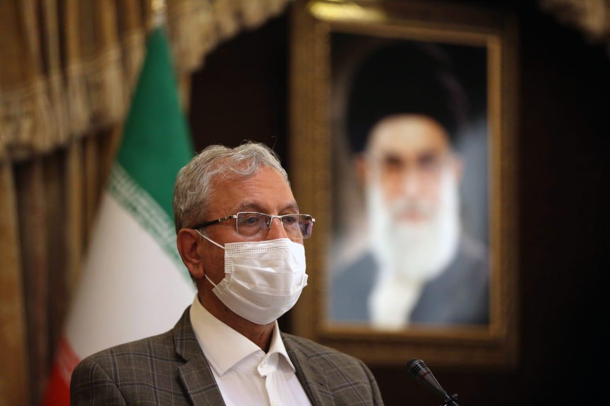 Ali Rabiei, porta-voz do governo iraniano, responde a perguntas durante coletiva de imprensa em Teerã, capital do Irã, 6 de outubro de 2020 [Fatemeh Bahrami/Agência Anadolu]