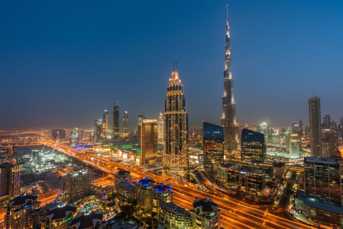 Vista aérea do centro de Dubai, Emirados Árabes Unidos, em 25 de abril de 2018 [Rustam Azmi/Getty Images]