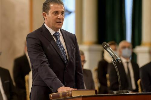 Ministro do Meio Ambiente da Tunísia, Mustapha Laroui faz o juramento de posse durante um mandato de novo governo no Palácio de Cartago, na periferia leste da capital Túnis, em 2 de setembro de 2020. [Fethi Belaid/ AFP via Getty Images]