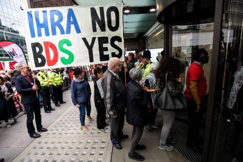 Protesto contra a facciosa definição sobre antissemitismo da Aliança Internacional de Memória do Holocausto, em Londres, Reino Unido, 4 de setembro de 2018 [Jack Taylor/Getty Images]