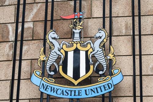 Escudo do clube de futebol britânico Newcastle United, em 23 de março de 2019 [Kelly McClay/Flickr]