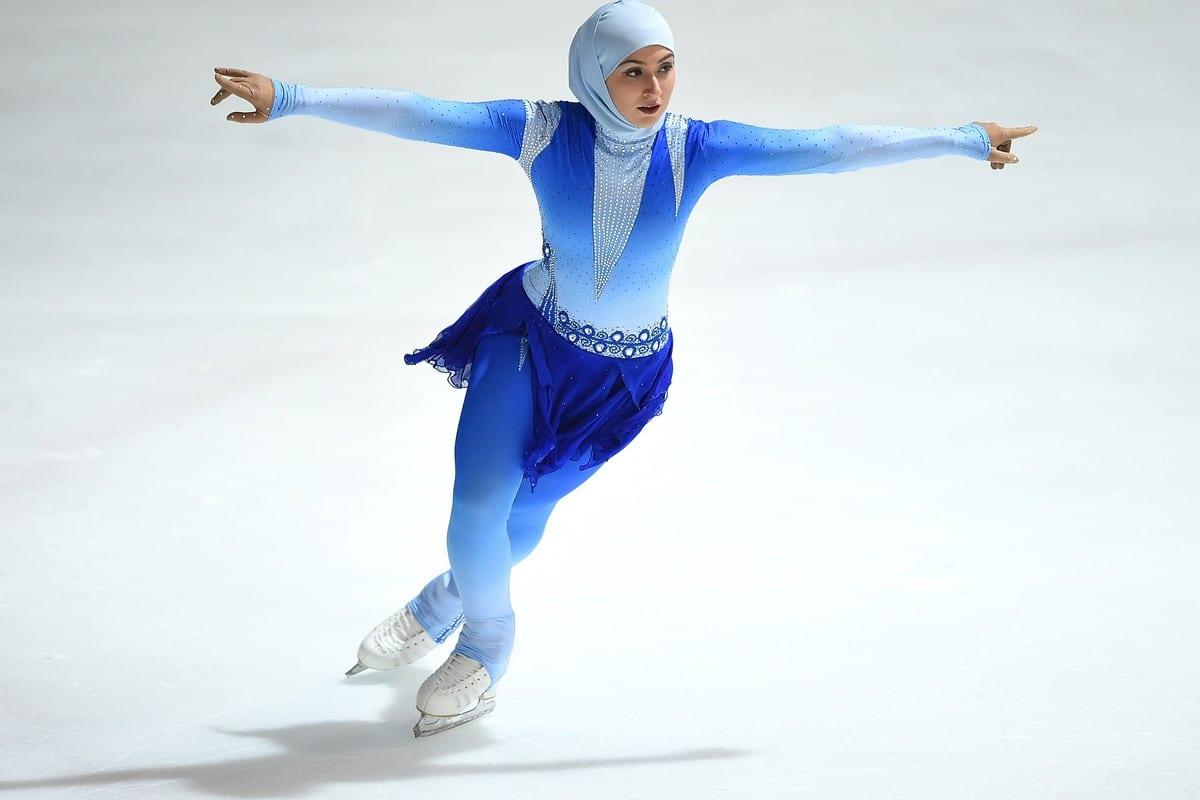 A patinadora do gelo Zahra Lari compete pelo Troféu FBMA, em Abu Dhabi, Emirados Árabes Unidos, em 5 de janeiro de 2017 [Tom Dulat/Getty Images]