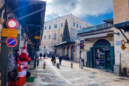 Bab Al-Jadid (o novo portão) na Cidade Velha de Jerusalém, em dezembro de 2020. [Renad Sharabaty]