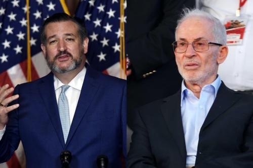 À direita, o vice-líder geral da Irmandade Muçulmana Ibrahim Munir em 14 de julho de 2013 [Ozan Kose/ AFP via Getty Images] - Á esquerda, o senador republicano Ted Cruz em 26 de outubro de 2020 [Olivier Douliery/ AFP via Getty Images]