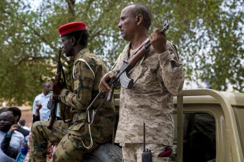 Militares sudaneses em Cartum, capital do Sudão, em 21 de julho de 2020 [Mahmoud Hjaj/Agência Anadolu]
