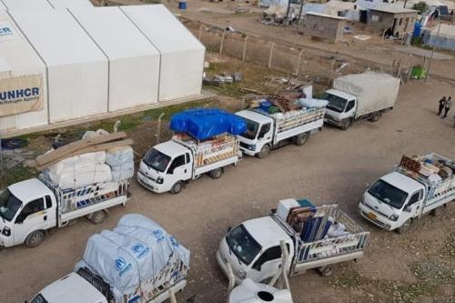 Caminhões carregados são vistos em Kirkuk, Iraque, em 30 de novembro de 2020, após o fechamento de todos os campos de dezenas de milhares de iraquianos deslocados internamente, que fugiram dos ataques de grupos terroristas do Daesh há 6,5 anos. [Kirkuk Dir. de Displ. e Migração - Agência Anadolu]