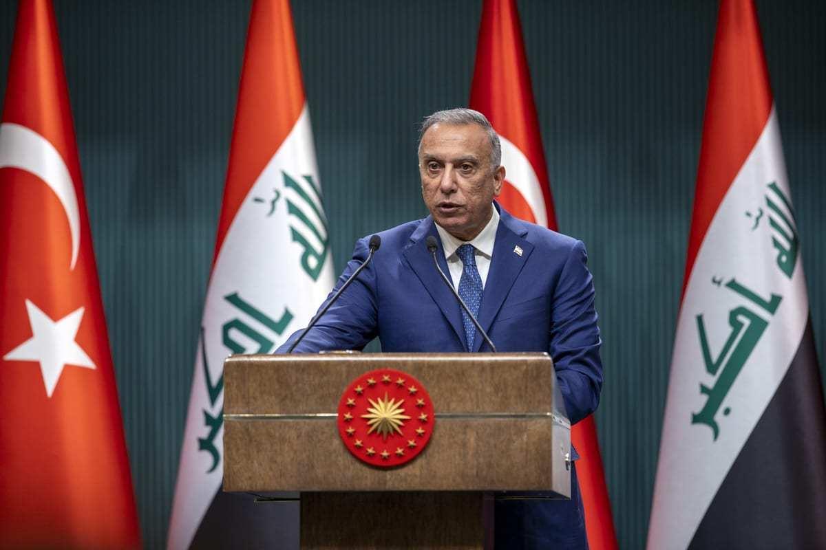 O primeiro-ministro iraquiano, Mustafa Al-Kadhimi, em Ancara, Turquia, em 17 de dezembro de 2020. [Ali Balıkçı/Agência Anadolu]