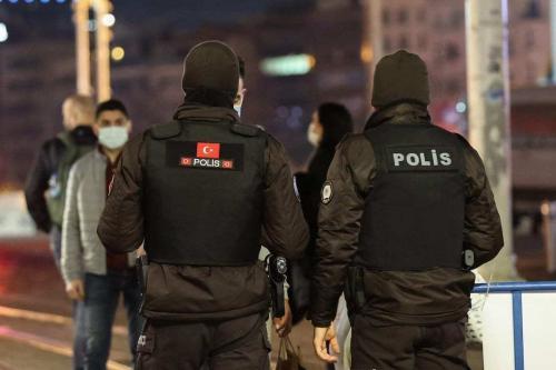Polícia turca em Istambul, Turquia em 28 de dezembro de 2020 [Agência Esra Bilgin / Anadolu]