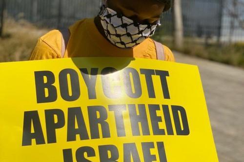 Protesto fora da Embaixada de Israel na África do Sul, em 14 de agosto de 2020. [#Africa4Palestine]