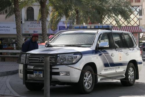 Polícia barenita na capital Manama [Sara Hassan/Al Jazeera/Flickr]