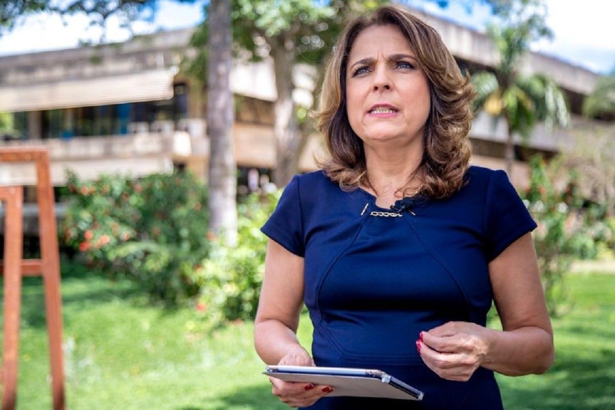 Reitora Márcia Abrahão, ao gravar mensagem de boas vindas aos calouros do primeiro semestre de 2018. Em 19 de março de 2018 [ Beto Monteiro / Secom UnB]
