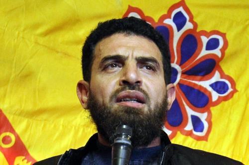 Mahmoud Mustafa Busayf al-Werfalli fala na cidade de Benghazi, no leste da Líbia, em 26 de janeiro de 2017 [Abdullah Doma/ AFP via Getty Images]