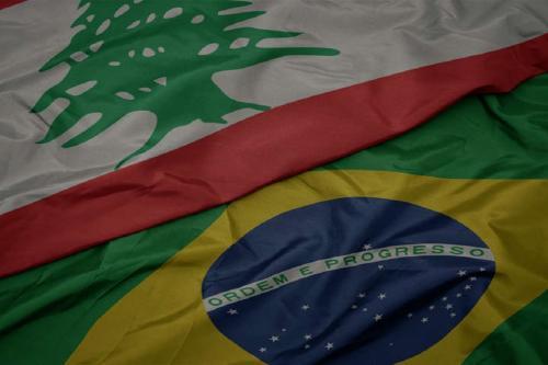 Detalhes das bandeiras do Brasil e do Líbano [Divulgação de webinar/FGV]