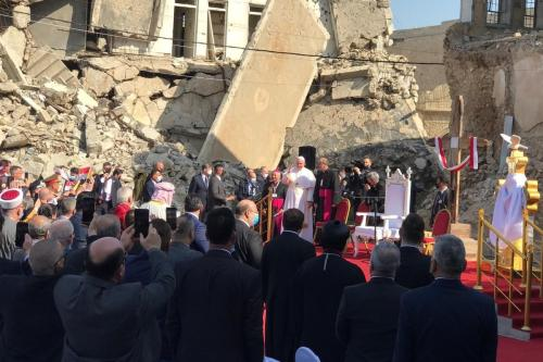 Papa Francisco faz um discurso na praça da igreja de Hosh al-Bieaa em Mosul, Iraque em 7 de março , 2021 [Osama Al Maqdoni/ Agência Anadolu]