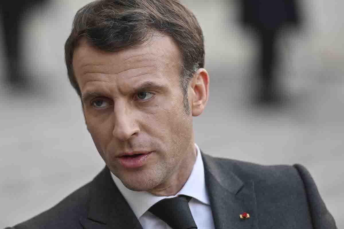 O presidente francês, Emmanuel Macron, no Palácio do Eliseu, em Paris, França, em 23 de março de 2021. [Julien Mattia/Agência Anadolu]