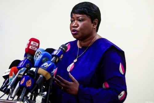 A promotora do Tribunal Criminal Internacional, Fatou Bensouda, dá uma entrevista coletiva na capital do Sudão, Cartum, em 20 de outubro de 2020, no final de sua visita de cinco dias ao país [Ebrahim Hamid/ AFP via Getty Images]