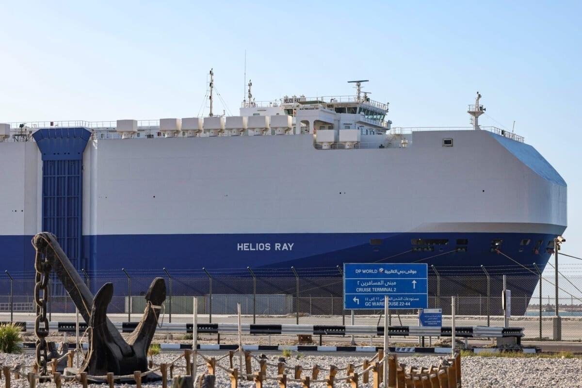 Navio de carga israelense com bandeira das Bahamas atracado no terminal de cruzeiros de Mina Rashid (Port Rashid), em 28 de fevereiro de 2021. [Giuseppe Cacace/AFP/Getty Images]
