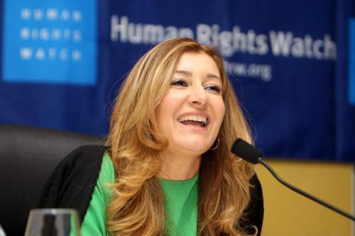 Sarah Leah Whitson, diretora do Human Rights Watch (HRW) no Oriente Médio, durante coletiva de imprensa em Doha, Catar, 12 de junho de 2012 [Karim Jaafar/AFP/GettyImages]