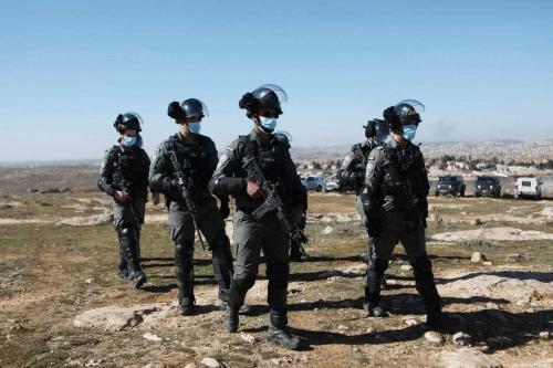 Forças israelenses em Hebron (Al-Khalil), Cisjordânia ocupada, 23 de janeiro de 2021 [Mamoun Wazwaz/Agência Anadolu]