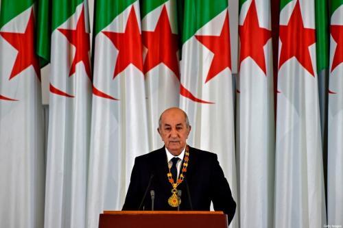 O presidente argelino, Abdelmadjid Tebboune, em um discurso durante a cerimônia formal de posse na capital, Argel em 19 de dezembro de 2019 [RYAD KRAMDI / AFP via Getty Images]