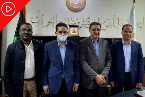 Parlamento da Líbia se une pela primeira vez