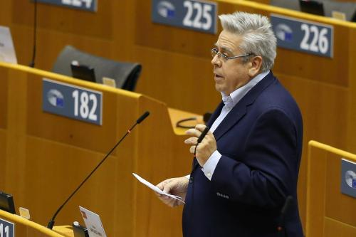 Relator para a Turquia do Parlamento Europeu, Nacho Sanchez Amor, faz um discurso na sessão plenária do Parlamento Europeu em Bruxelas, Bélgica, em 24 de novembro de 2020 [Dursun Aydemir - Agência Anadolu]