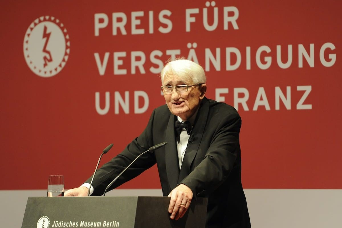 Professor Jurgen Habermas em Berlim, em 13 de novembro de 2010 [Odd Andersen/AFP via Getty Images]