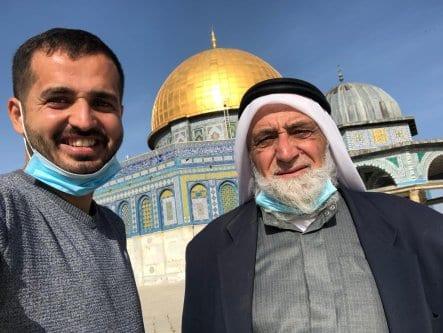 Fotojornalista palestino Mohammed Ateeq (esq.) [Mohammed Ateeq]