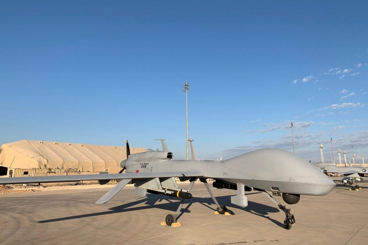 Drones militares dos Estados Unidos na base aérea de Ain al-Asad, na província de Anbar, oeste do Iraque [Ayman Henna/AFP via Getty Images]
