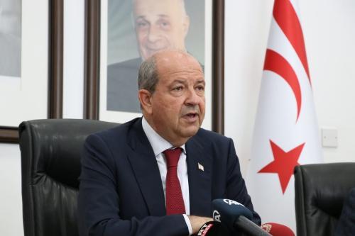 Ersin Tatar, presidente turco-cipriota, em Nicósia, Chipre do Norte, 24 de junho de 2021 [Ali Ruhluel/Agência Anadolu]