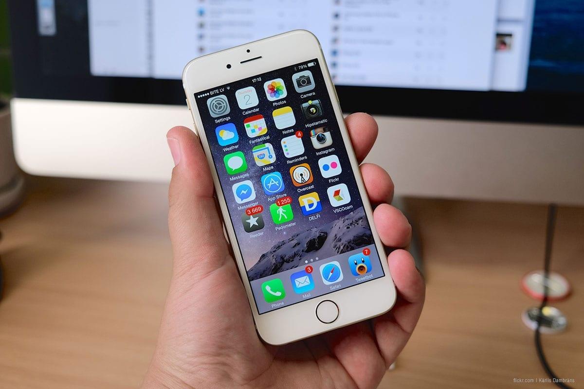 Telefone celular, 6 de setembro de 2016 [Flickr]