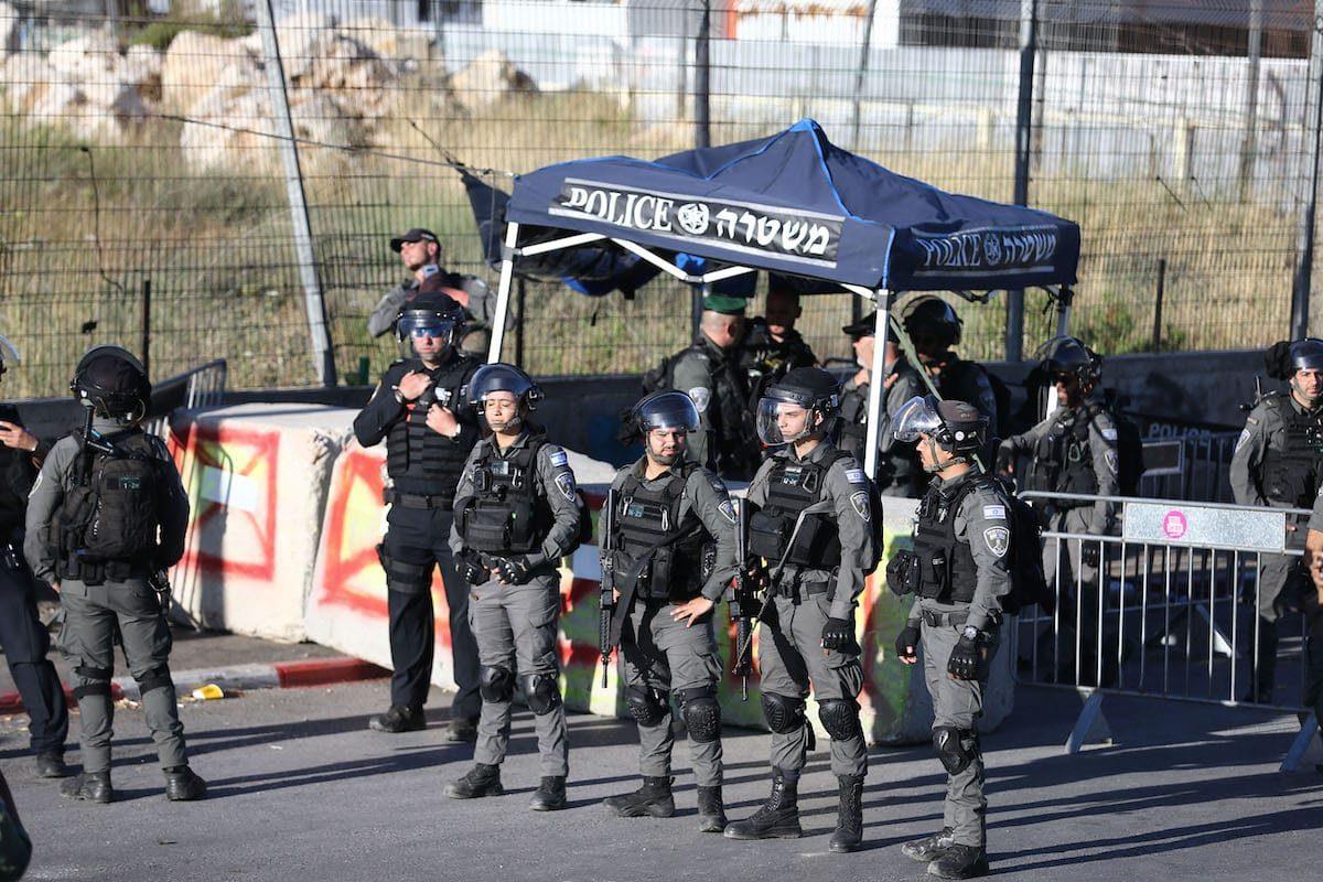 Forças israelenses tomam medidas em Jerusalém, em 02 de junho de 2021 [Mostafa Alkharouf/Agência Anadolu]
