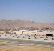 Ministros da defesa turcos e afegãos discutem a segurança do aeroporto de Cabul