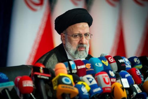 Ebrahim Raisi, presidente do Irã, em entrevista coletiva em Teerã, Irã, em 21 de junho de 2021 [Ali Mohammadi/Bloomberg via Getty Images]