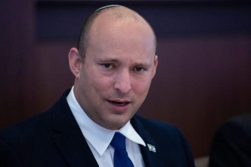 Primeiro-Ministro de Israel Naftali Bennett durante encontro semanal de seu gabinete, em Jerusalém ocupada, 27 de junho de 2021 [MAYA ALLERUZZO/POOL/AFP via Getty Images]