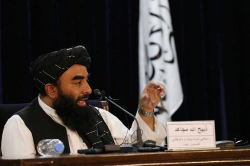 Porta-voz do Talibã, Zabihullah Mujahid, realiza coletiva de imprensa em Cabul, Afeganistão, 6 de setembro de 2021 [Haroon Sabawoon/Agência Anadolu]