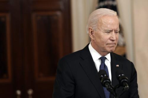 O presidente dos EUA, Joe Biden, parte após falar no Cross Hall da Casa Branca em Washington, EUA, na quinta-feira, 20 de maio de 2021 [Yuri Gripas/Abaca/Bloomberg via Getty Images]