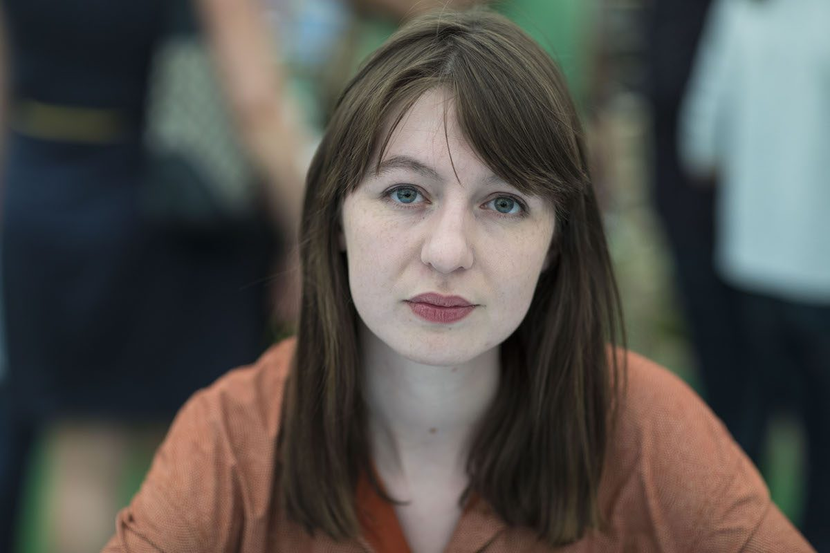 Sally Rooney, romancista, no Hay Festival, em 28 de maio de 2017, em Hay on Wye, Reino Unido [David Levenson/Getty Images]