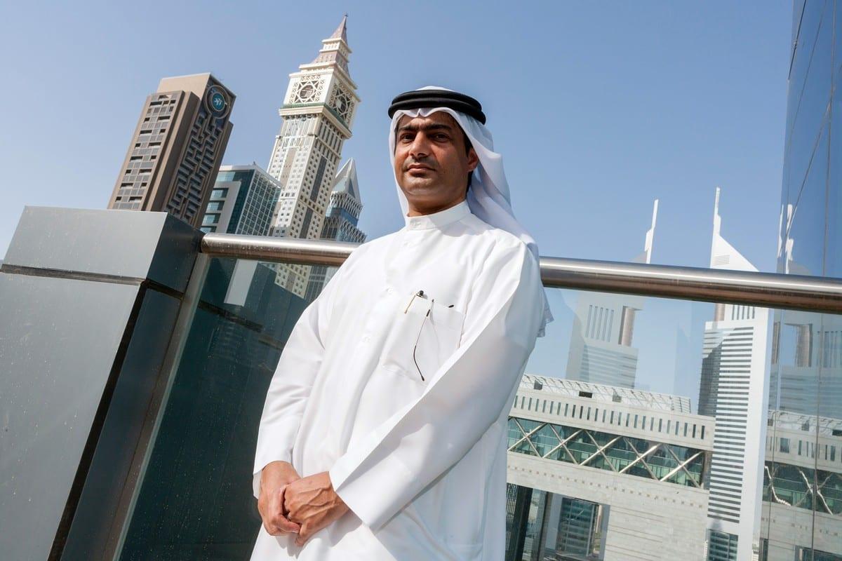 Ativista de direitos humanos emiradense Ahmed Mansour, em 25 de setembro de 2012 [Bloomberg/Getty Images]