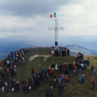 FOTO/VIDEO. Înălțarea Sfintei Cruci a fost sărbătorită, pentru al patrulea an la rând, pe Vârful Oușoru