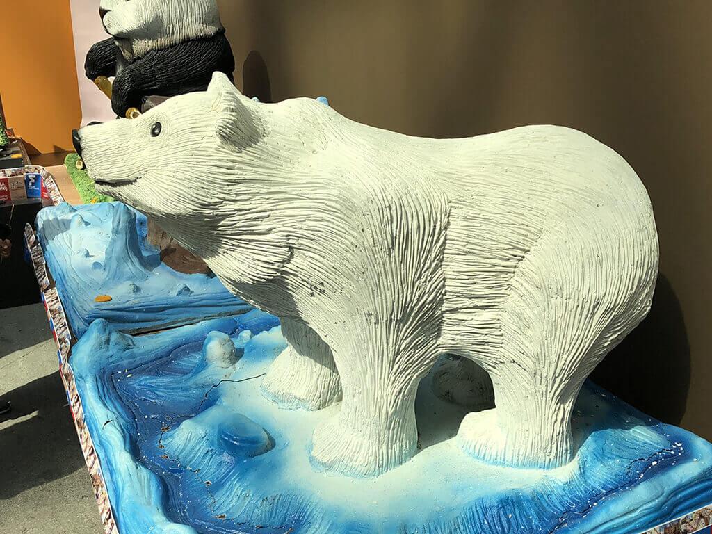 Escultura de oso polar realizada en chocolate en el Salón Internacional del Chocolate