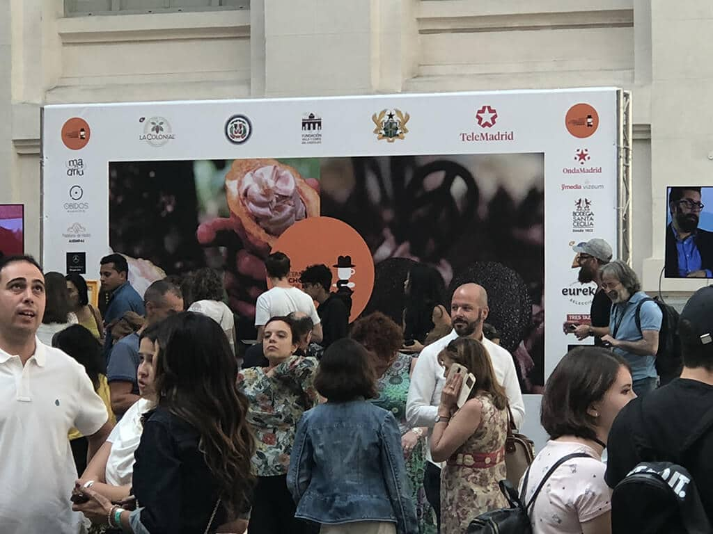 Vista general del stand escenario el al plaza central del Salón Internacional del Chocolate