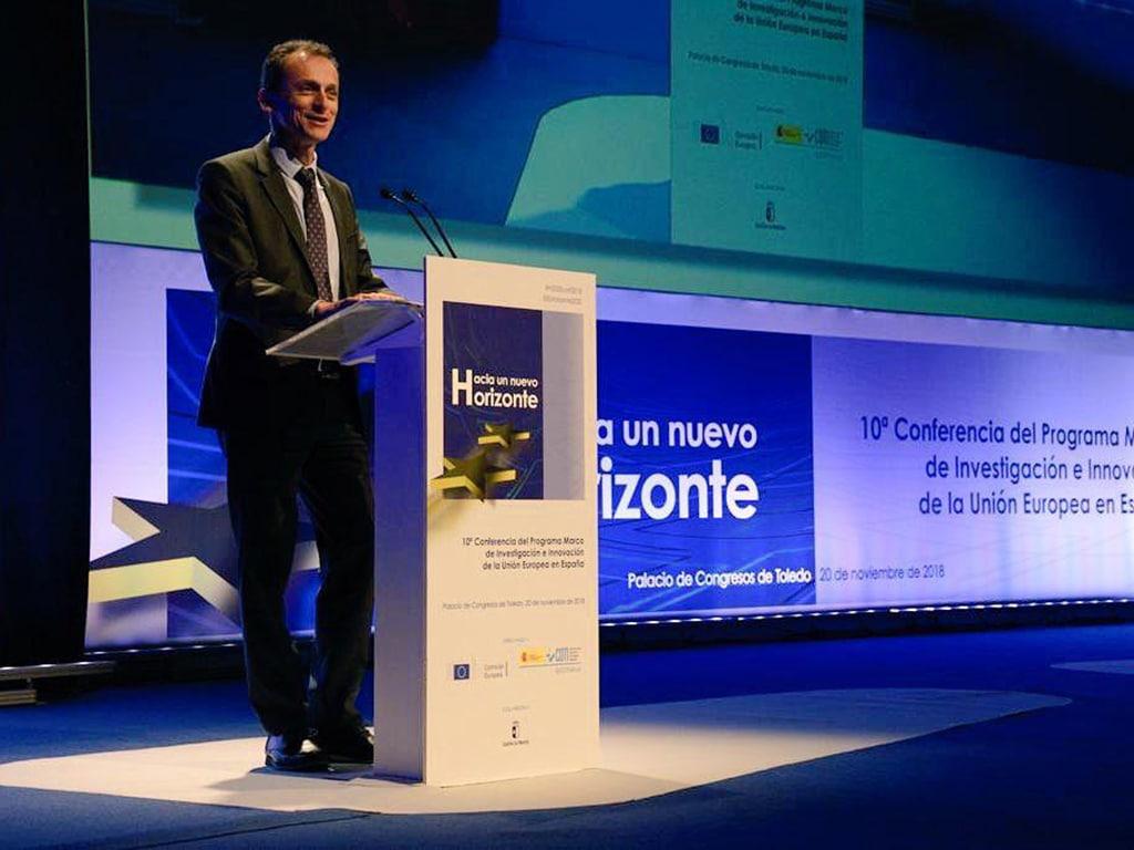 Ministro Pedro Duque inaugurando10ª conferencia H-2020