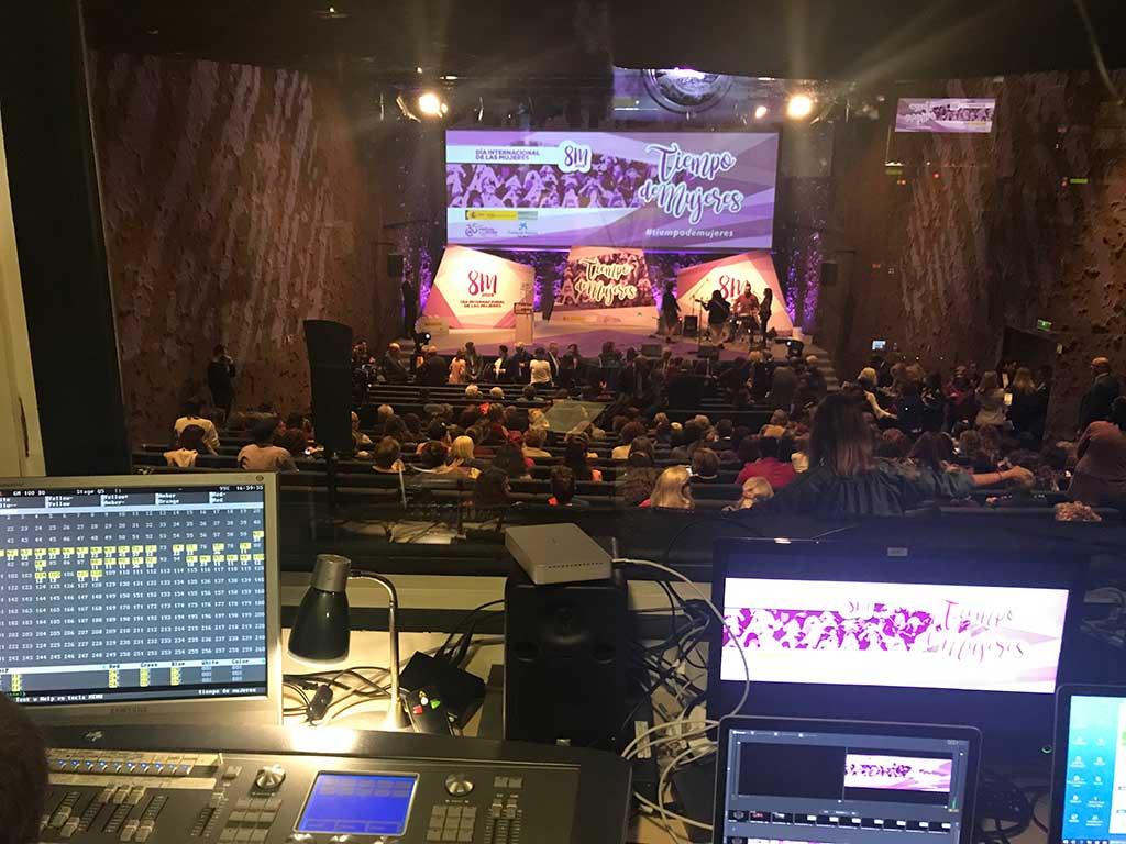 Sala de control audiovisual del evento Monkey Events en Caixaforum
