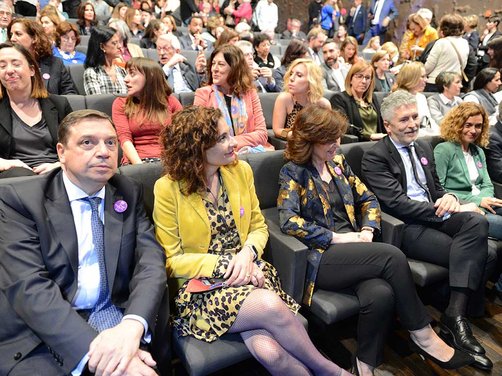 Ministros socialistas acuden a la celebración del día internacional de la mujer en Caixaforum