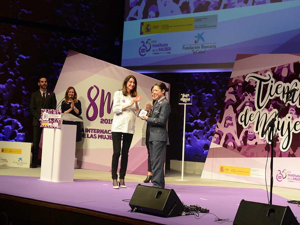 Rosa María García entrega de los premio mujeres 8M