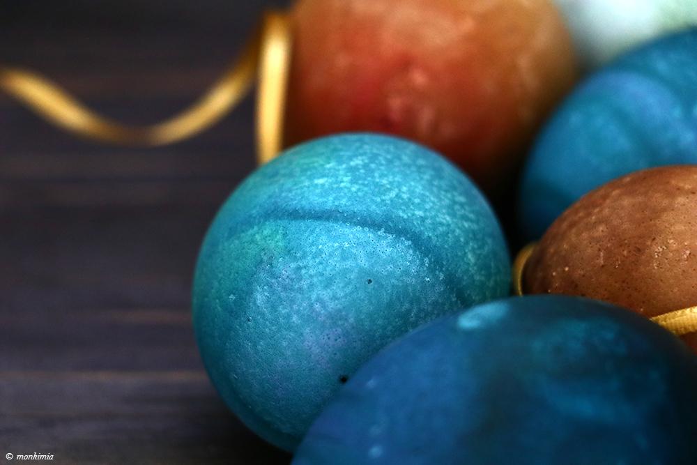 Ostereier blau grün färben