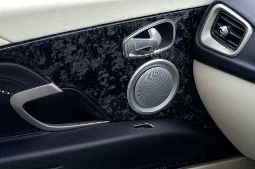 2017-aston-martin-db11-interior-door-panel