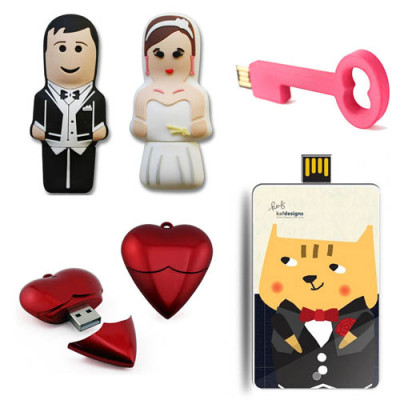 Flash drives with photos for sharing!