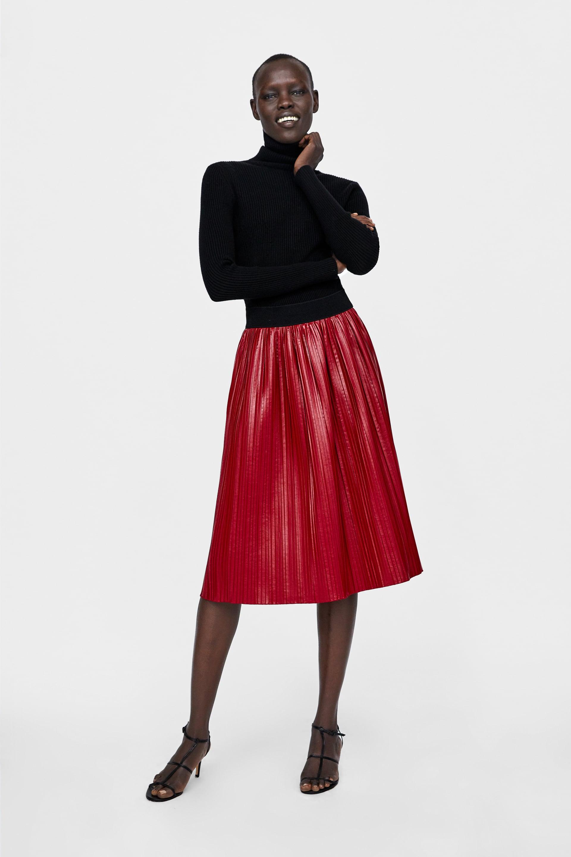 Happy Radio • ZARA  Δέκα υπέροχες πλισέ φούστες για casual chic ... 6c7e9923744